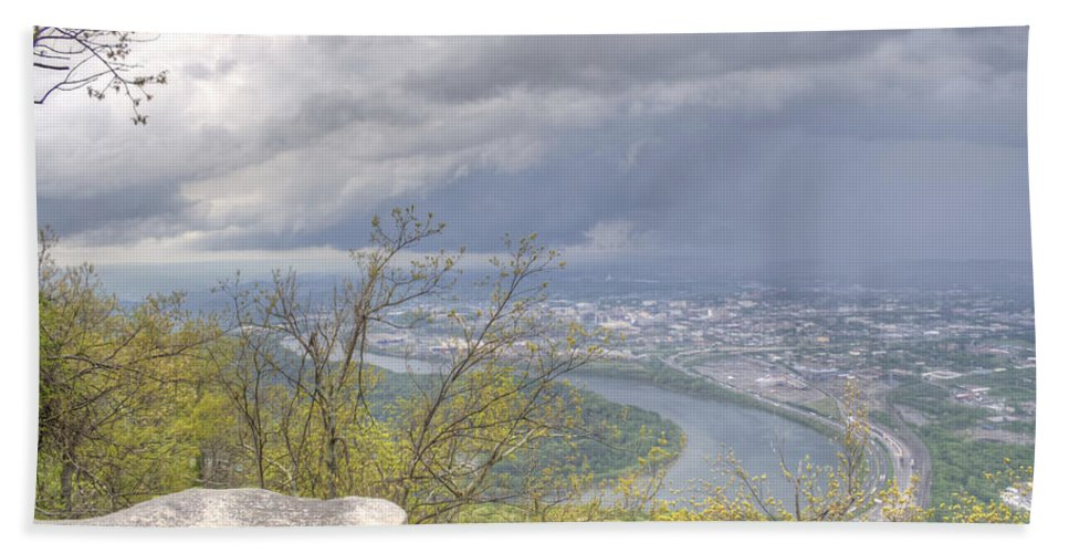Chattanooga Hand Towel featuring the photograph Chattanooga Valley by David Troxel