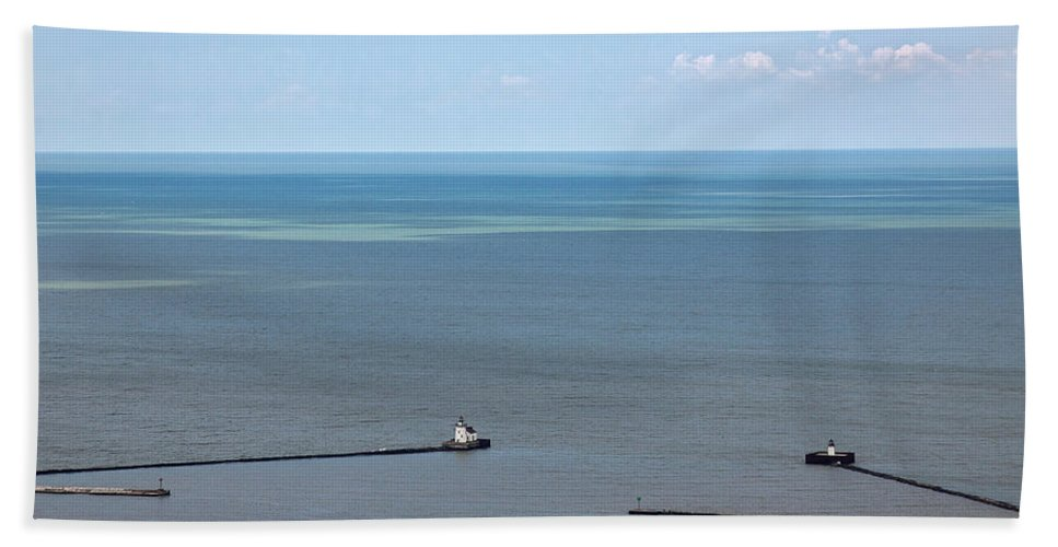 Lighthouse Hand Towel featuring the photograph Cleveland Harbor Lighthouse by Dale Kincaid
