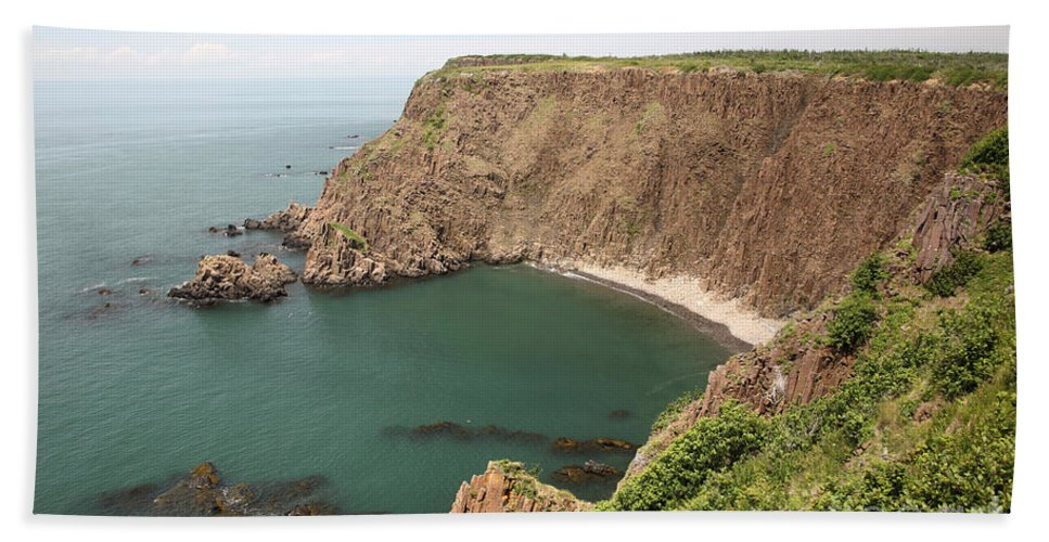 Nature Hand Towel featuring the photograph Cliffs On Grand Manan Island by Ted Kinsman