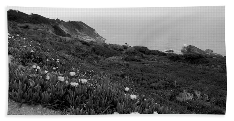 Coast Hand Towel featuring the photograph Coastal View Mist - Black And White by Kathleen Grace