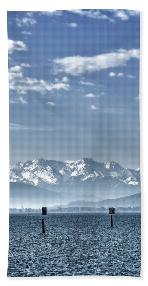 Lake Hand Towel featuring the photograph Cold Lake by Joana Kruse