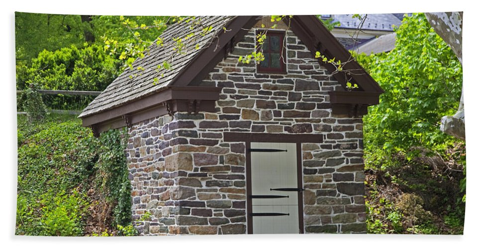 Ice House Hand Towel featuring the photograph Colonial Stone Ice House by John Stephens