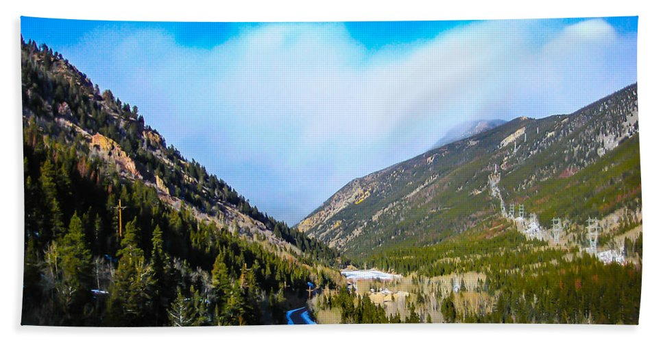 Landscape Bath Sheet featuring the photograph Colorado Road by Shannon Harrington