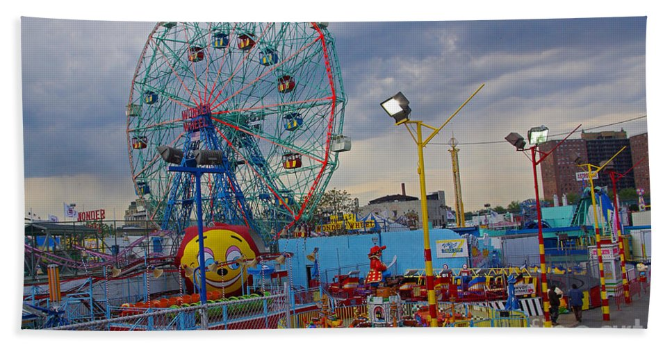 Coney Island Hand Towel featuring the photograph Coney Island Amusements by Rich Walter