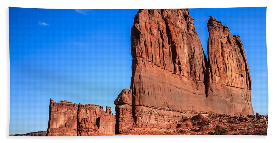 Arches National Park Bath Sheet featuring the photograph Courthouse II by Robert Bales