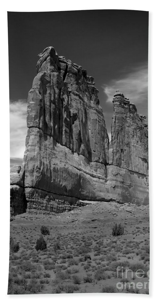 Black And White Bath Sheet featuring the photograph Couthouse Iv by Robert Bales