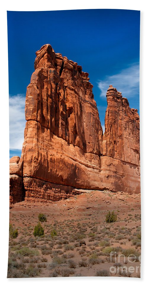 Arches National Park Bath Sheet featuring the photograph Couthouse by Robert Bales