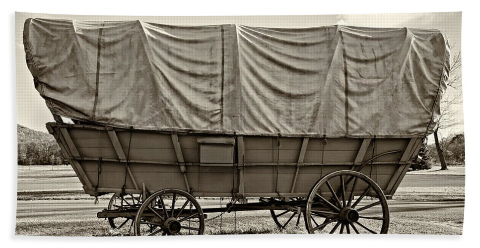 Pennsylvania Hand Towel featuring the photograph Covered Wagon Sepia by Steve Harrington