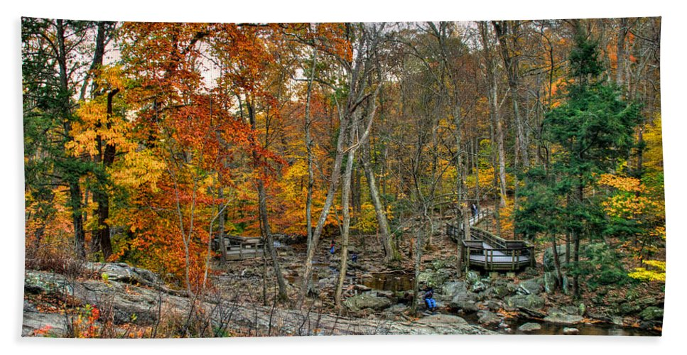 Cunningham Falls Hand Towel featuring the photograph Cunningham Falls Viewing Platforms by Mark Dodd