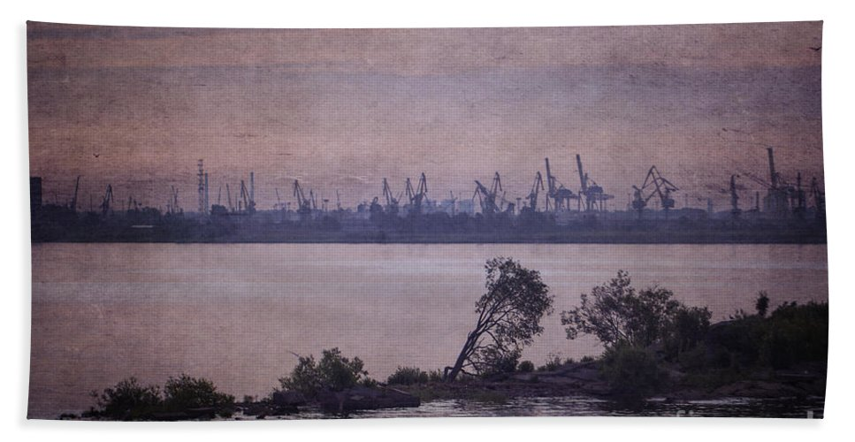 Clare Bambers Hand Towel featuring the photograph Dawn On The River Neva In Russia by Clare Bambers