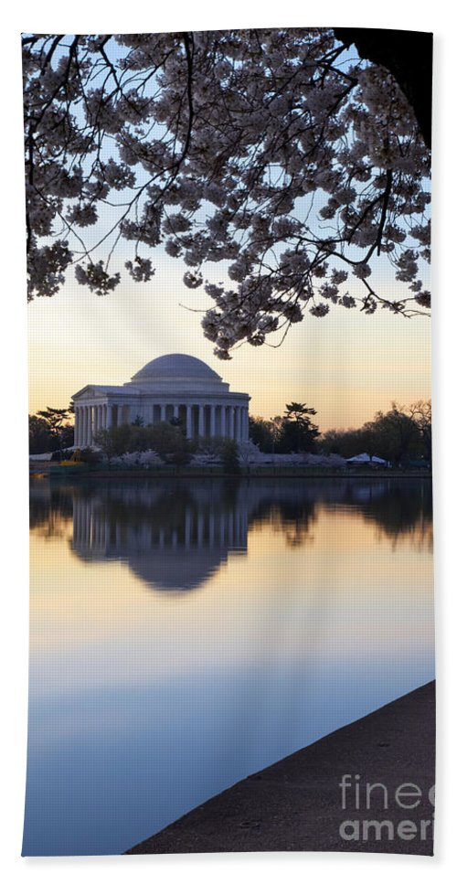 Dawn Hand Towel featuring the photograph Dawn Over Jefferson Memorial by Brian Jannsen