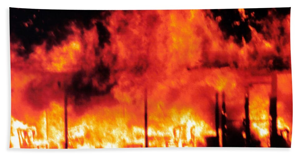 Fire Bath Sheet featuring the photograph Devils Diner - Digital Art by Al Powell Photography USA