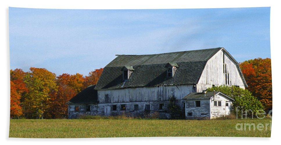 Bronstein Bath Sheet featuring the photograph Door County Barn by Sandra Bronstein