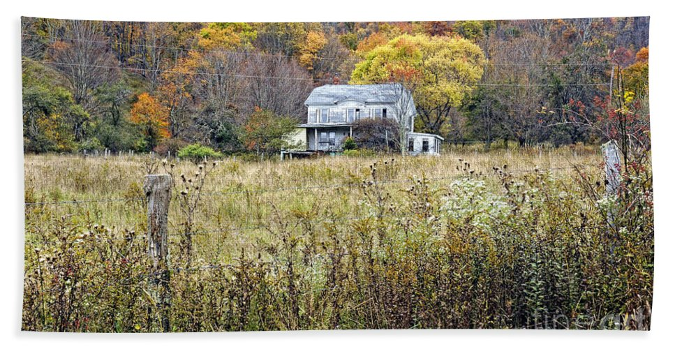 West Virginia Hand Towel featuring the photograph Down In A West Va Valley by Kathleen K Parker