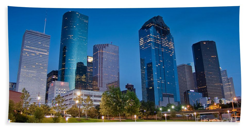 Downtown Bath Sheet featuring the photograph Downtown Houston by Olivier Steiner