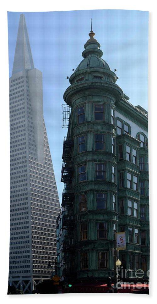 San Francisco Bath Sheet featuring the photograph Downtown San Francisco 2 by Bob Christopher