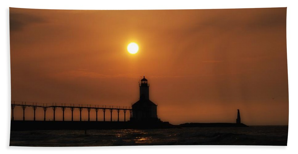 Sunset Hand Towel featuring the photograph Dreamy Sunset At The Lighthouse by Scott Wood