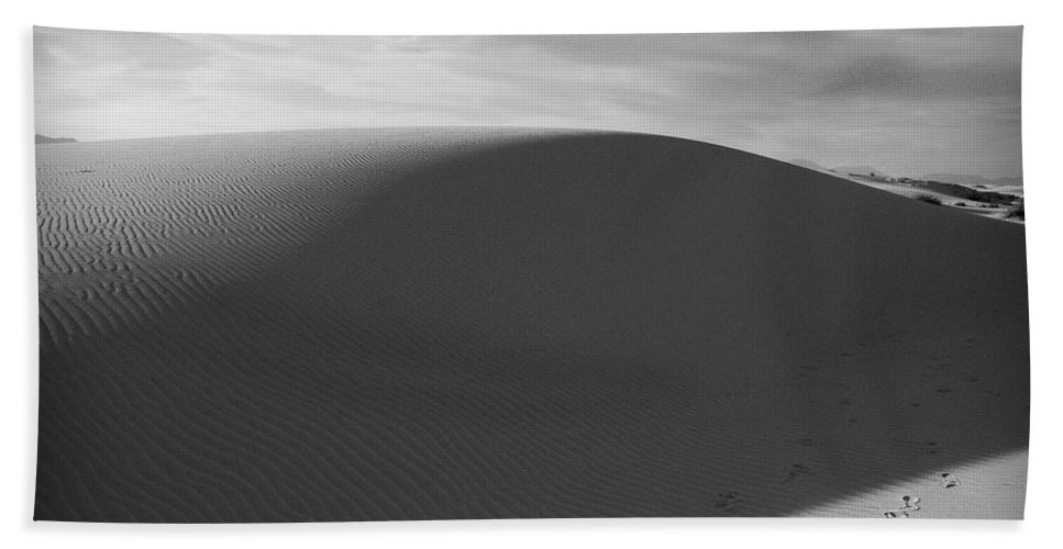 New Mexico Bath Sheet featuring the photograph Dunes 2 by Sean Wray