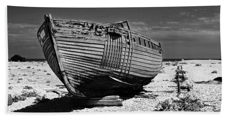 Boat Bath Sheet featuring the photograph Dungeness Decay by Bel Menpes