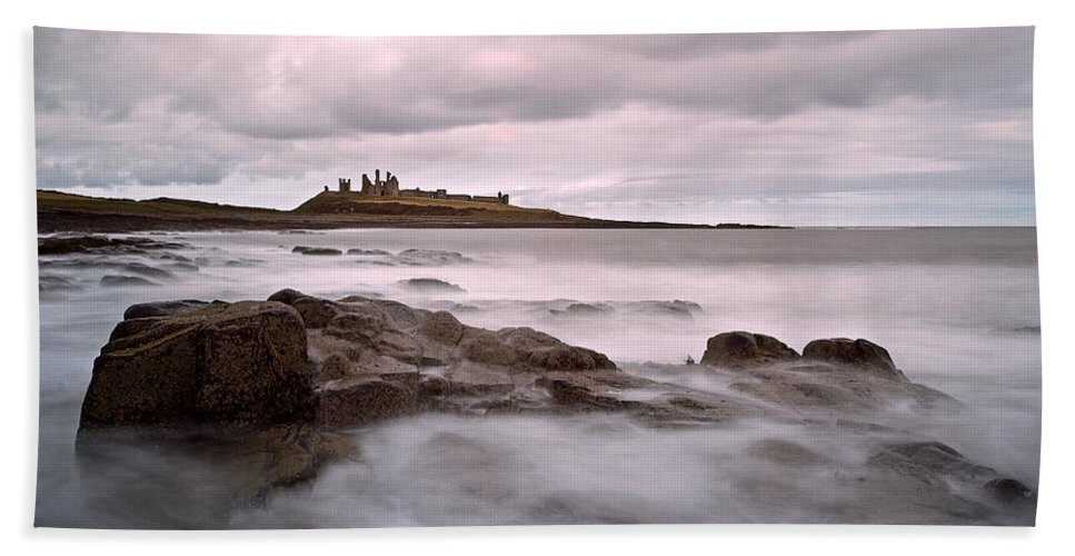 Dunstanburgh Castle Hand Towel featuring the photograph Dunstanburgh Castle IIi by David Pringle