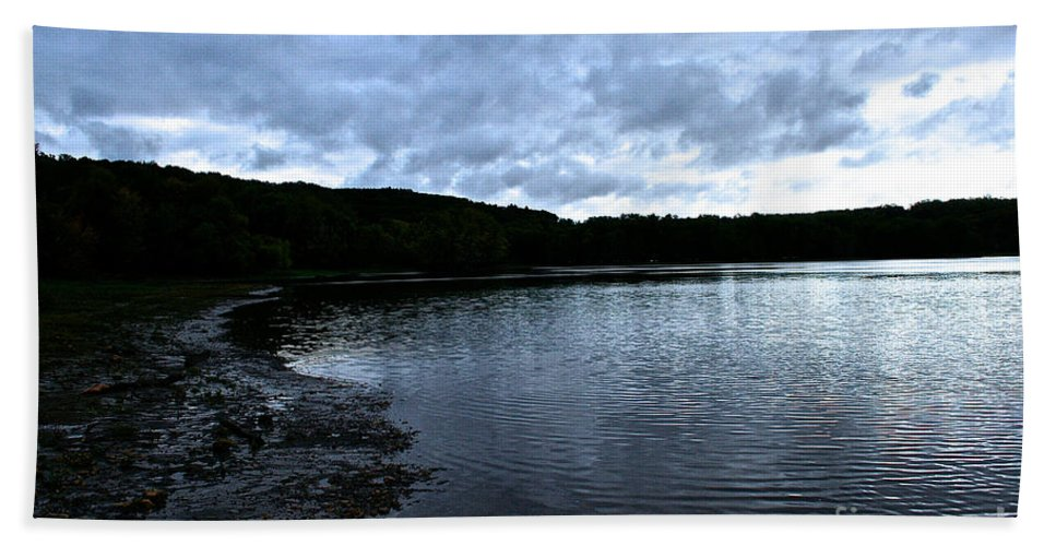Landscape Hand Towel featuring the photograph Early Am Shoreline by Susan Herber