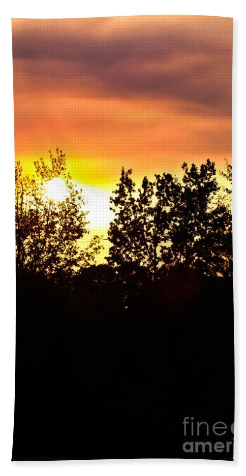 East Tx Sunset Hand Towel featuring the photograph East Texas Sunset by Kim Henderson