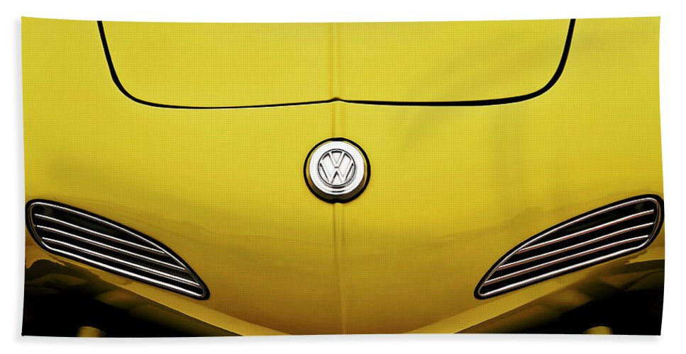 Volkswagen Bath Towel featuring the digital art Electric Karmann by Douglas Pittman