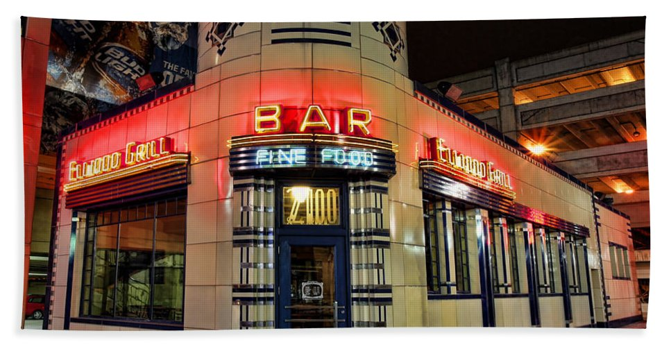 The Bath Sheet featuring the photograph Elwood Bar And Grill Detroit Michigan by Gordon Dean II