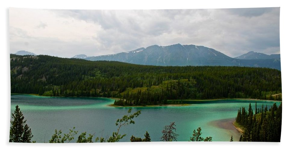 Yukon Hand Towel featuring the photograph Emerald Lake by Eric Tressler