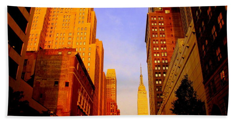 Cities Photograph Bath Sheet featuring the photograph Empire State Building Sunset by Ms Judi