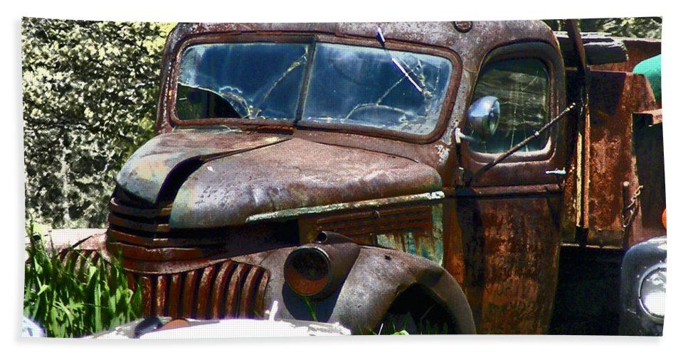 Abandoned Truck Photographs Bath Sheet featuring the photograph End Of The Road by Ms Judi