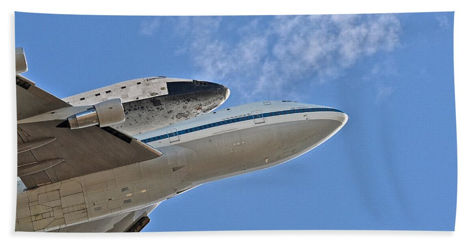 Endeavour Hand Towel featuring the photograph Endeavour's Last Flight IIi by Bill Owen