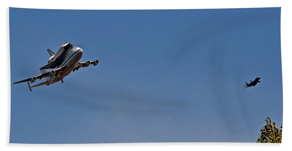 Endeavour Hand Towel featuring the photograph Endeavour's Last Flight With Chase Plane by Bill Owen