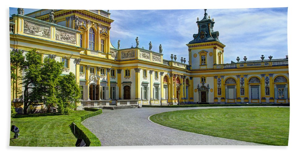 Wilanow Palace Bath Sheet featuring the photograph Entrance To Wilanow Palace - Warsaw by Jon Berghoff
