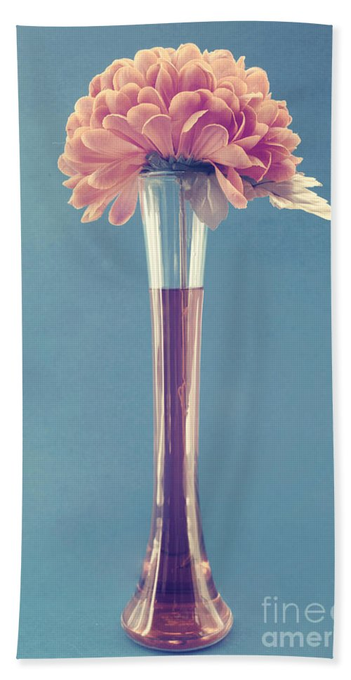 still Life Bath Sheet featuring the photograph Estillo Vase - S01v3f by Variance Collections