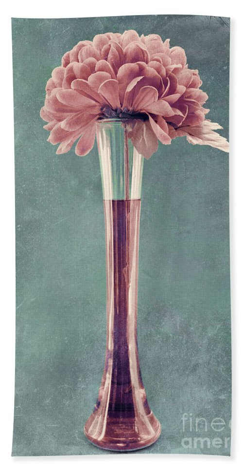 still Life Bath Sheet featuring the photograph Estillo Vase - S01v4b2t03 by Variance Collections