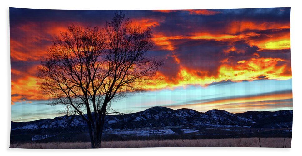 Colorado Sunset Photograph Bath Sheet featuring the photograph Evening's Solitude by Jim Garrison
