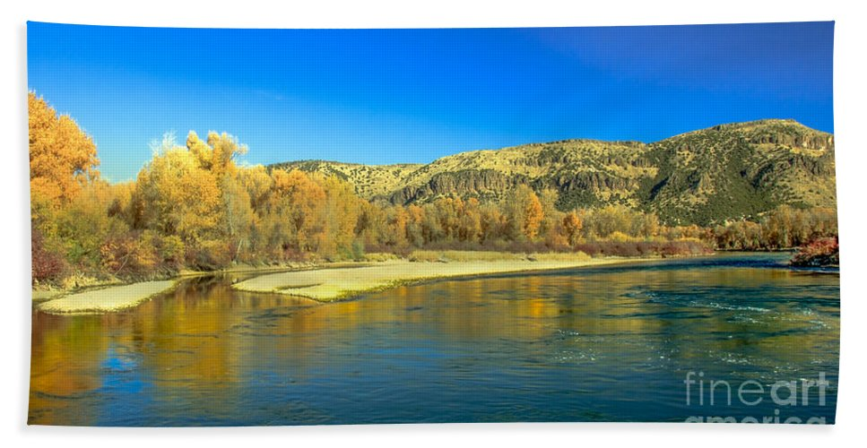 Idaho Hand Towel featuring the photograph Fall Reflections by Robert Bales