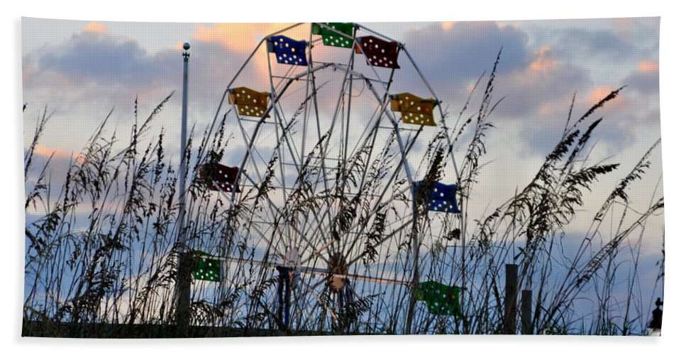 Ferris Wheel Hand Towel featuring the photograph Ferris Wheel At The Beach by Lydia Holly