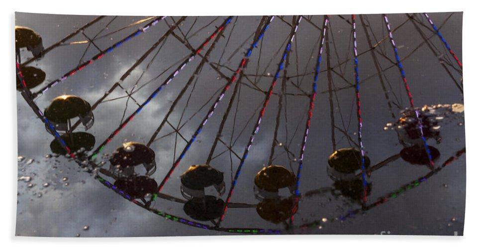 Ferris Wheel Bath Sheet featuring the photograph Ferris Wheel Reflection by Darleen Stry