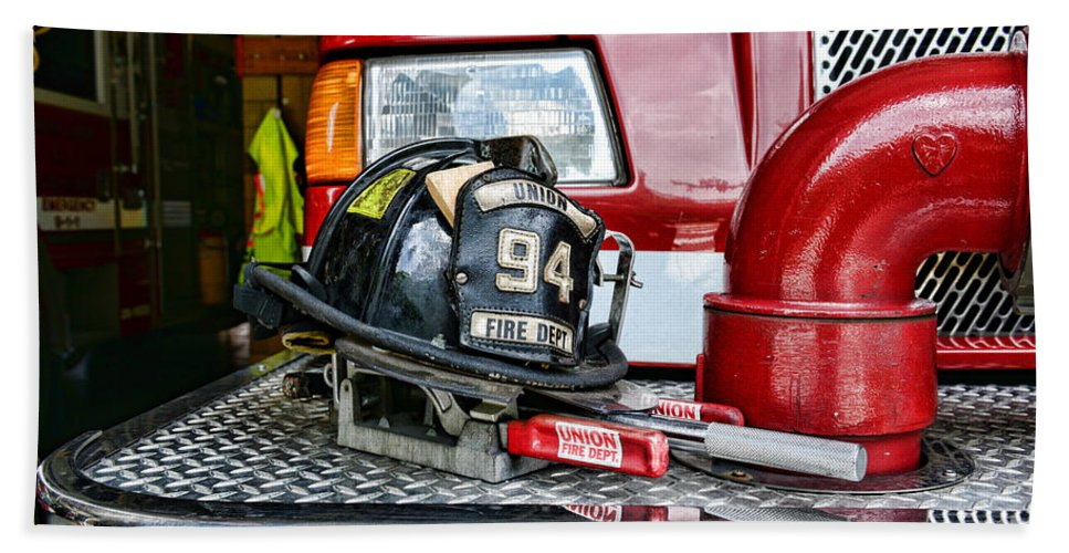 Fireman Bath Sheet featuring the photograph Fireman - Helmet by Paul Ward
