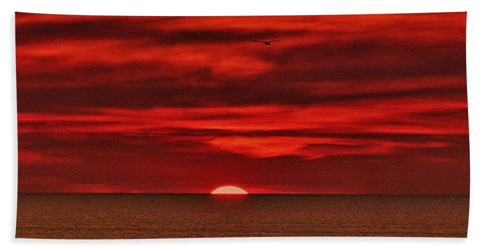 Sunset Hand Towel featuring the photograph Firesky V3 by Douglas Barnard