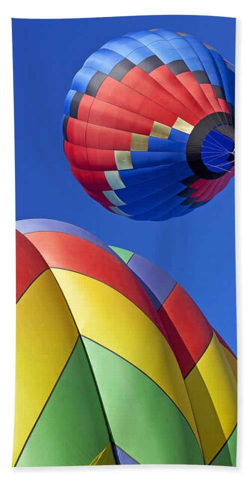 Hot Air Balloon Hand Towel featuring the photograph Floating High by Garry Gay