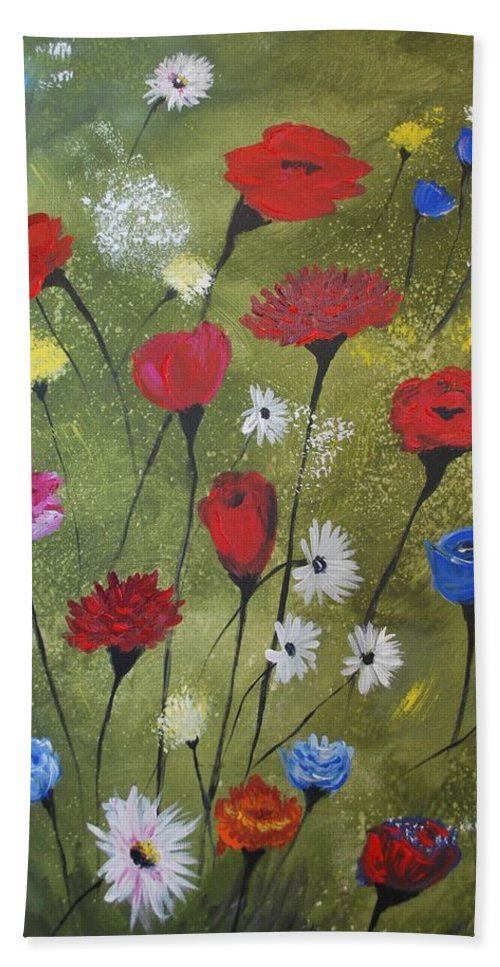 Poppy Painting Hand Towel featuring the painting Floral Fields by Leslie Allen