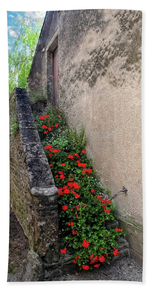 Flowers Bath Sheet featuring the photograph Flower Stairway by Dave Mills
