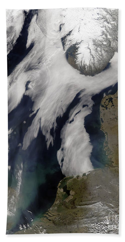 Atlantic Bath Sheet featuring the photograph Fog In The North Sea by Stocktrek Images