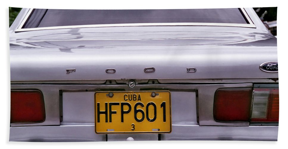 Havana Bath Sheet featuring the photograph Food Ford by Andrew Fare