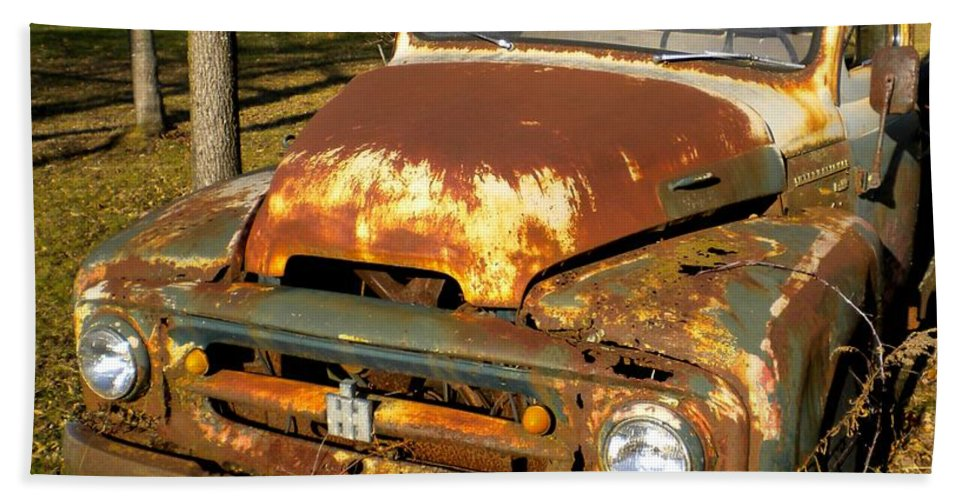 Truck Bath Sheet featuring the painting Forgotten Ih by Renate Nadi Wesley
