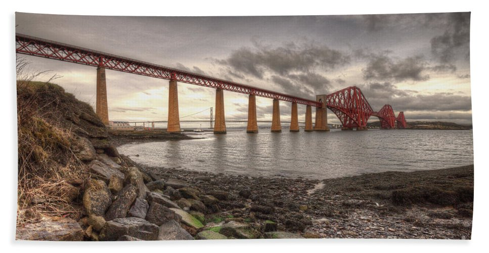 Forth Hand Towel featuring the photograph Forth Rail Bridge At Dawn by Rob Hawkins