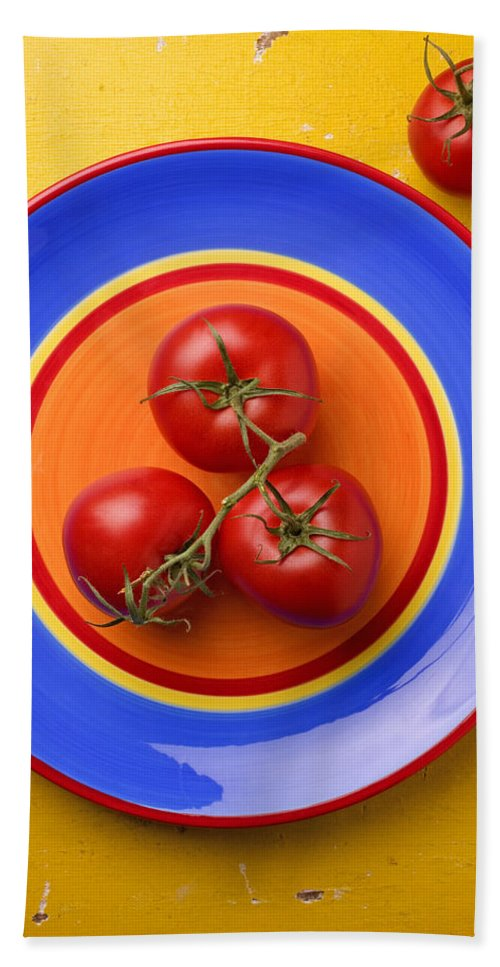 Four Tomatoes Bath Sheet featuring the photograph Four Tomatoes by Garry Gay